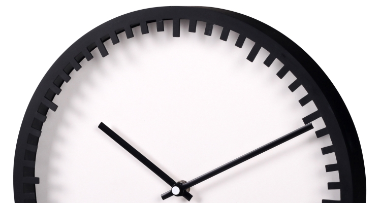 Plastic Wall Clock Round Black & White
